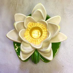 White Lotus Flower Pottery Candle Holder (1)